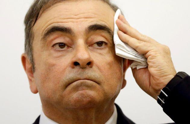 L'ancien patron de Renault-Nissan Carlos Ghosn n'a plus le droit de quitter le Liban en attendant les...