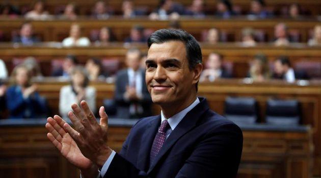 Sánchez, en el Congreso tras salir adelante su