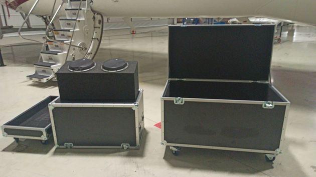 カルロス・ゴーン被告が日本から出国する際に隠れたとされる音響機器用のケース。トルコ・イスタンブール警察の提供