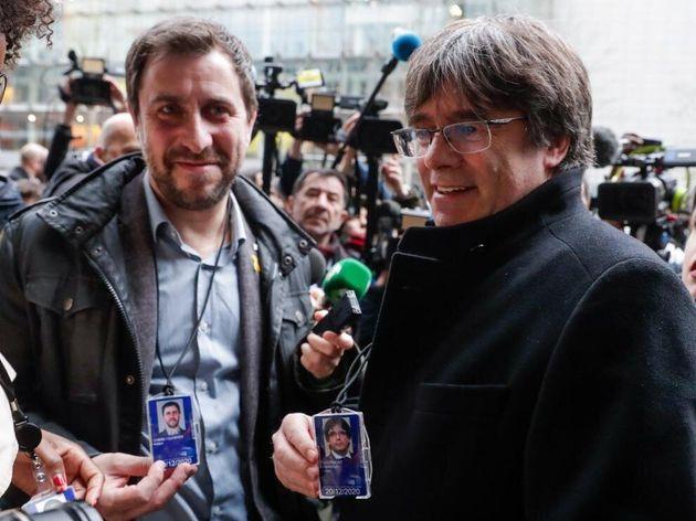 Llarena mantiene euroórdenes y pide suspender inmunidad de Puigdemont y