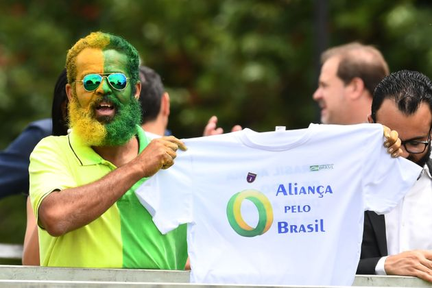 Apoiador do presidente Jair Bolsonaro no lançamento do Aliança pelo Brasil, em novembro...