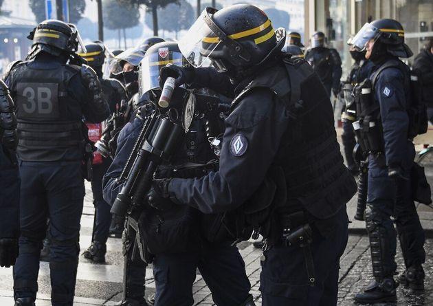 Gilets jaunes: À Rennes, une enquête judiciaire ouverte après la perte d'un œil...
