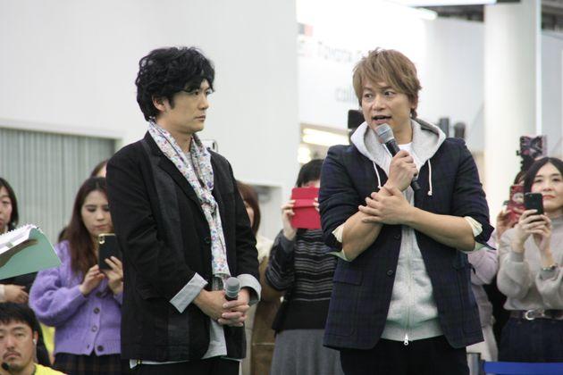 稲垣吾郎さん(左)、香取慎吾さん(右)