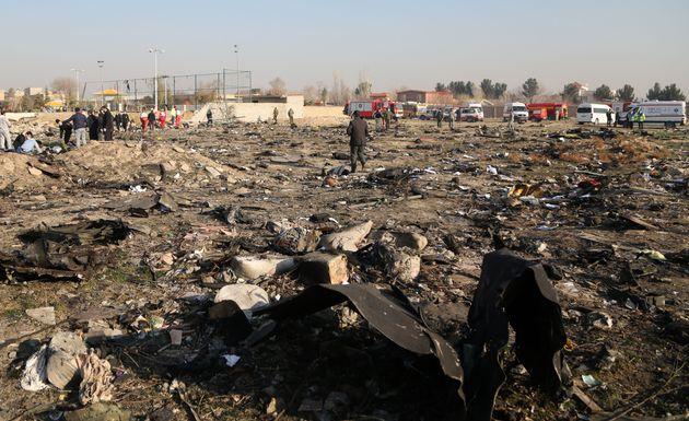 L'aereo abbattuto da Teheran, quello colpito nell'88 dagli Usa e il dolore degli