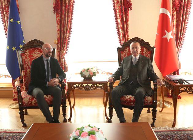 Μισέλ σε Ερντογάν: Η ΕΕ ανησυχεί για το μνημόνιο Τουρκίας-Λιβυής και τις παράνομες