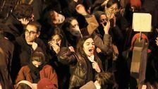 報告:反政府抗議行動にイラン以上の下降の旅客機