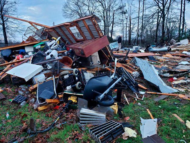 HΠΑ: Νεκροί, σπίτια χωρίς ρεύμα και ακυρώσεις πτήσεων από την