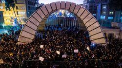 Embaixador britânico detido nega participação em protestos contra