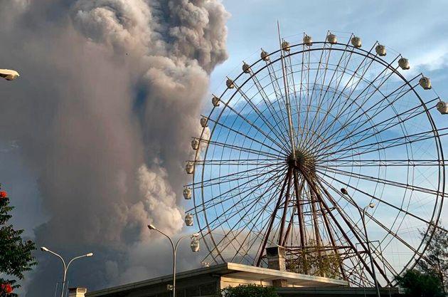 Erupción del volcán Taal en Tagaytay, en la provincia de Cavite, al sur de Manila