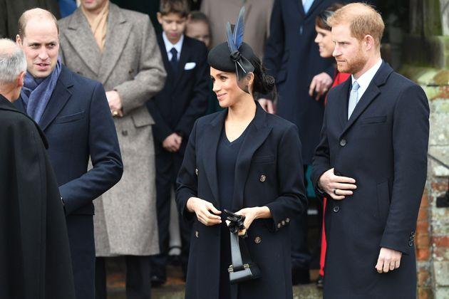 Príncipe William, Meghan Markel e o príncipe Harry saem do tradicional culto de Natal da...