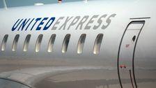 平面の乗客逮捕された後の攻撃当局は、嵐のコックピット