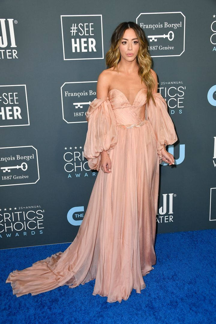 Westlake Legal Group 5e1ba8392100004d003dee92 See All The Fashion From The Red Carpet At The 2020 Critics' Choice Awards