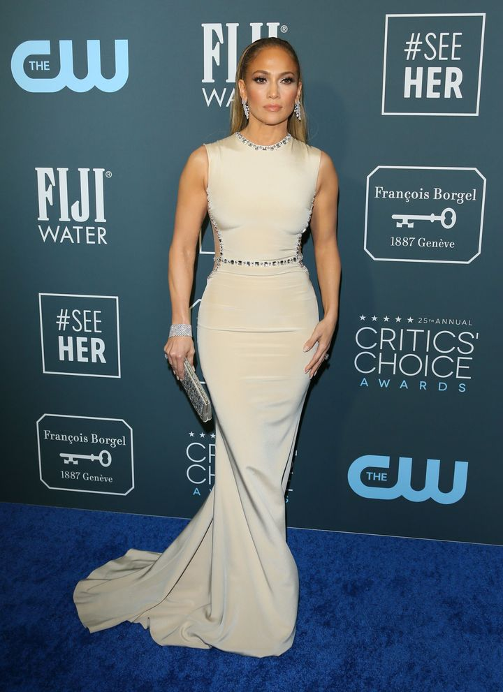 Westlake Legal Group 5e1bb3192100004e003dee97 See All The Fashion From The Red Carpet At The 2020 Critics' Choice Awards