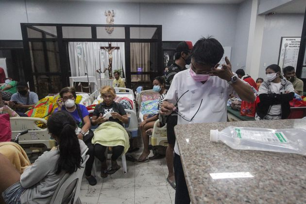 필리핀 수도 마닐라 인근의 화산이 폭발했다 (사진,