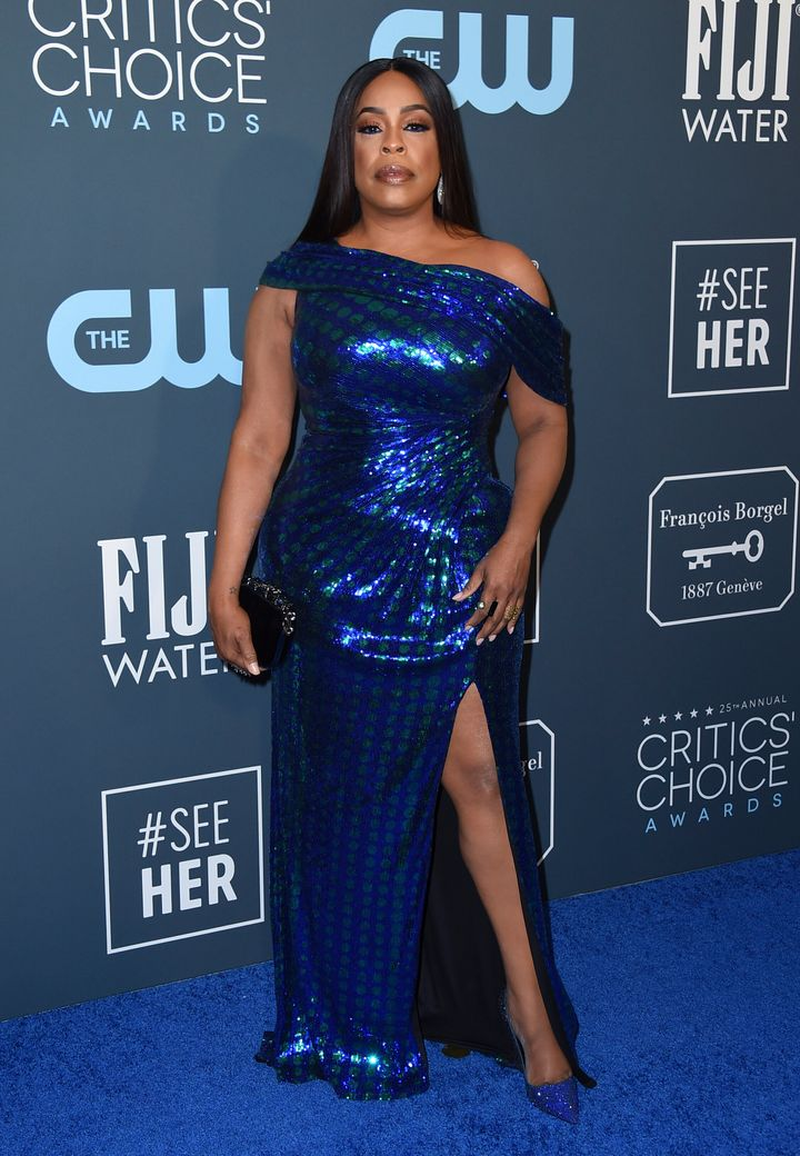 Westlake Legal Group 5e1bbca72100004e003deea1 See All The Fashion From The Red Carpet At The 2020 Critics' Choice Awards