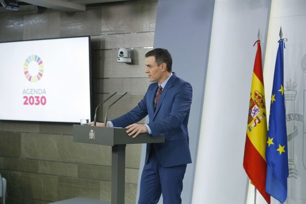 epa08122328 Spanish Prime Minister Pedro Sanchez makes a statement at Moncloa Presidential Palace in...