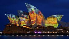 Όπερα Του Σίδνεϊ Τιμά Πυροσβέστες Με Φωτογραφίες, Ευχαριστώ Για Τα