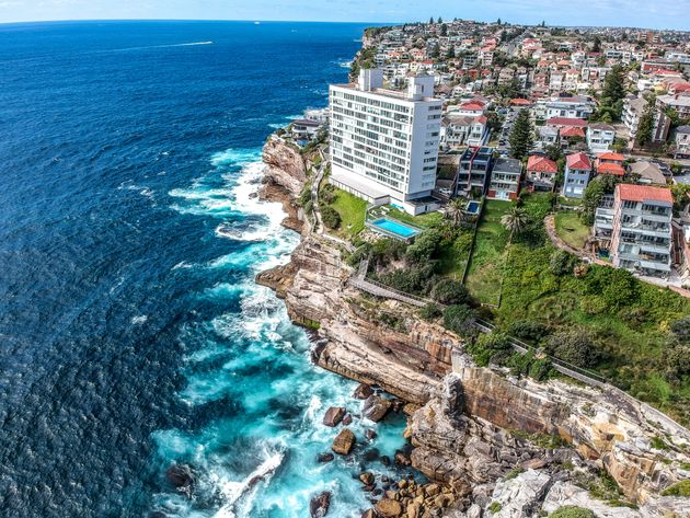 British Backpacker Dies In Australia After Falling From Cliff