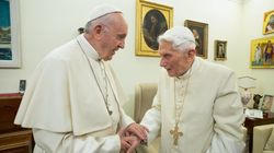 Benoît XVI appelle le pape François à ne pas ordonner d'hommes