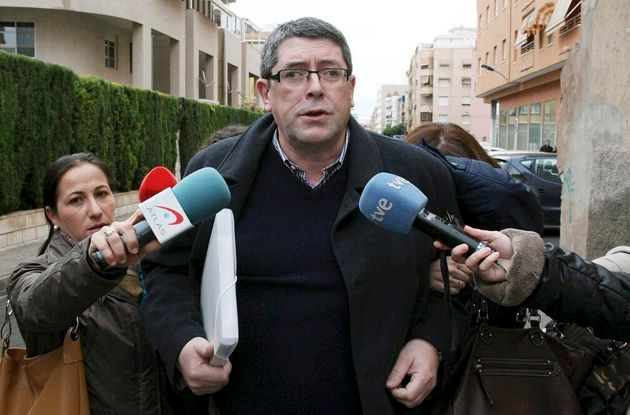 El ex alcalde de Polop de la Marina (Alicante) Juan Cano abandona el juzgado número 3 de Villajoyosa...