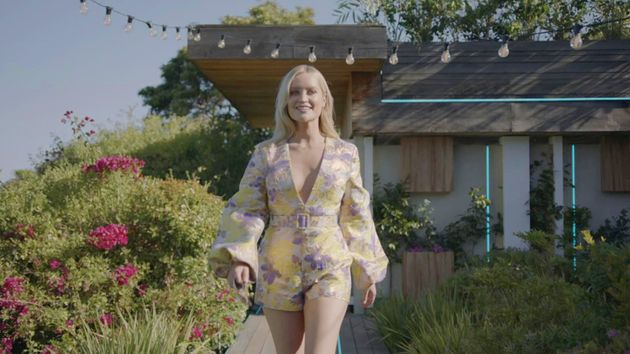 Laura Whitmores Love Island Debut Sparked A Lot Of Reactions On Social Media
