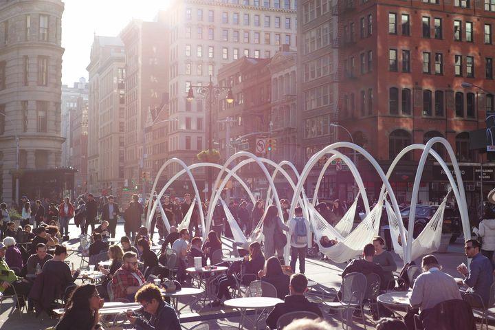 Η εγκατάσταση που κέρδισε το3ο «Flatiron Public Plaza Competition»