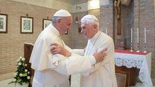 退職した教皇Lauds CelibacyとしてのフランシスMulls Ordaining既婚男性