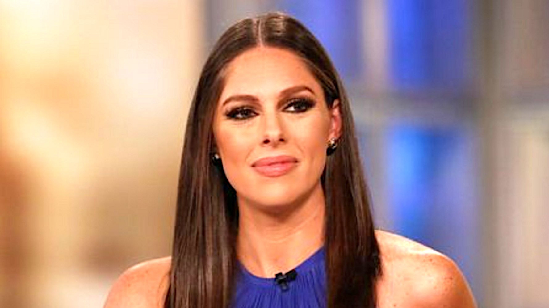 Westlake Legal Group 5e1c9d2921000033001f6caf Abby Huntsman Leaving 'The View' To Help Family Member