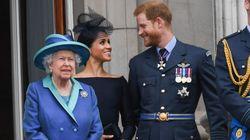 La reina de Inglaterra establece
