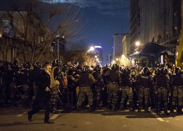 Ιράν: Ξεσηκωμός κατά του καθεστώτος μετά την κατάρριψη του ουκρανικού