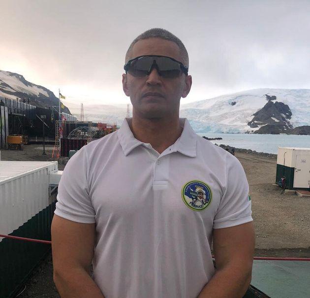Capitão de Fragata Luciano de Assis Luiz, 41 anos, chefe do atual grupo de base da Estação Antártica...