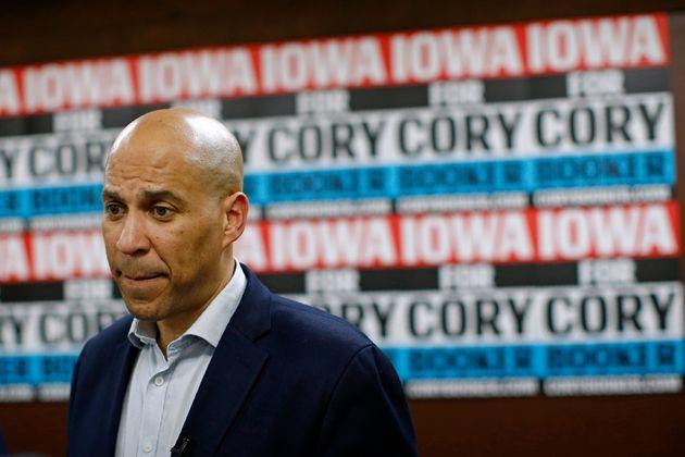 Cory Booker en un evento en Mount Vernon, Iowa el 9 de enero del 2020. (AP Photo/Patrick