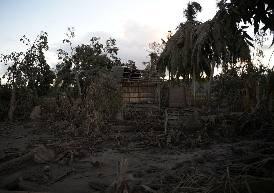 탈 화산의 동쪽에 위치한 따나우안 지역도 화산재의 피해를