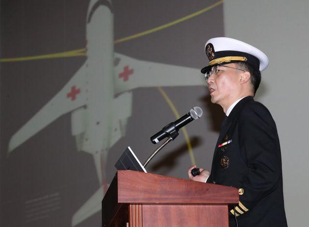 이국종 센터장이 2019년 1월 오전 부산 남구 해군작전사령부에서 열린 '제8주년 아덴만 여명작전 기념행사'에서 특별강연을 하고