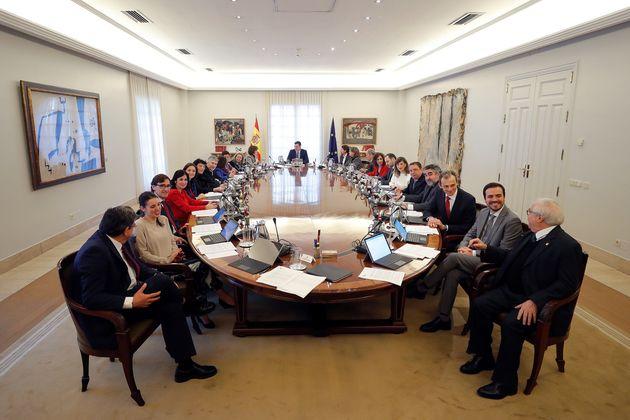 Primer Consejo de Ministros en