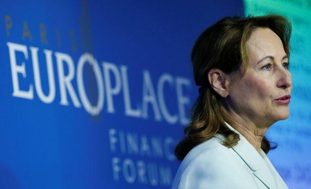 Ségolène Royal en conférence de presse à Paris en