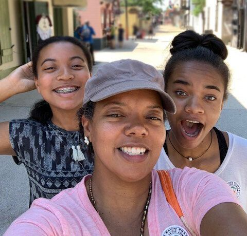 Chapman with daughters Makayla (left) and Ashley (right) on vacation in Orlando, Florida in February 2019.