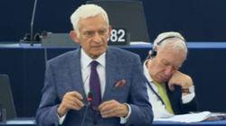 El vídeo de Margallo durmiendo en el pleno del Parlamento