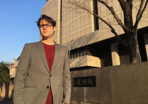 Πήγε στην Ιαπωνία να βρει τα εξαφανισμένα παιδιά του και έμεινε στη φυλακή για ενάμιση