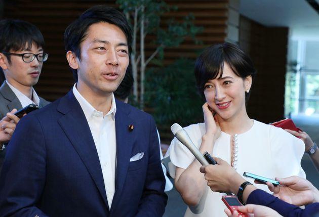 小泉進次郎環境相と妻の滝川クリステルさん(2019年8月)