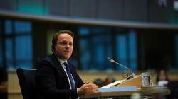 Η Κομισιόν υποστηρίζει την έναρξη ενταξιακών διαπραγματεύσεων με Σκόπια και