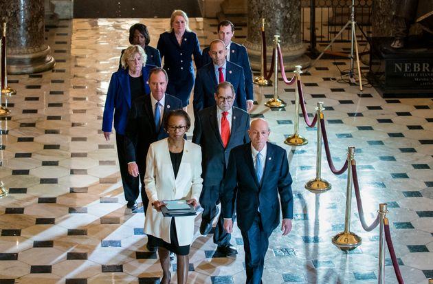 Les sept parlementaires démocrates désignés pour porter l'accusation contre...