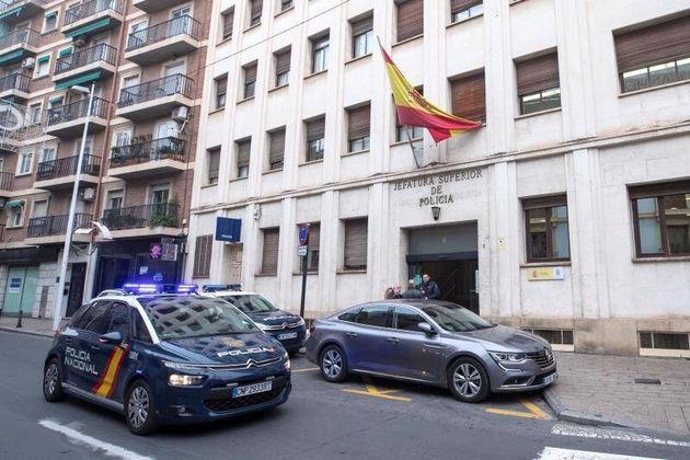 Sede de la Jefatura Superior de la Policía Nacional en Murcia, donde se llevaron a los detenidos...