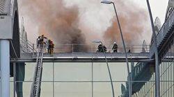 El fuego mantiene el aeropuerto de Alicante cerrado al