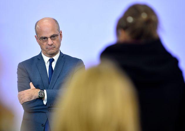 Face aux menaces de boycott du nouveau bac, le ministre de l'Education Jean-Michel Blanquer s'est voulu...