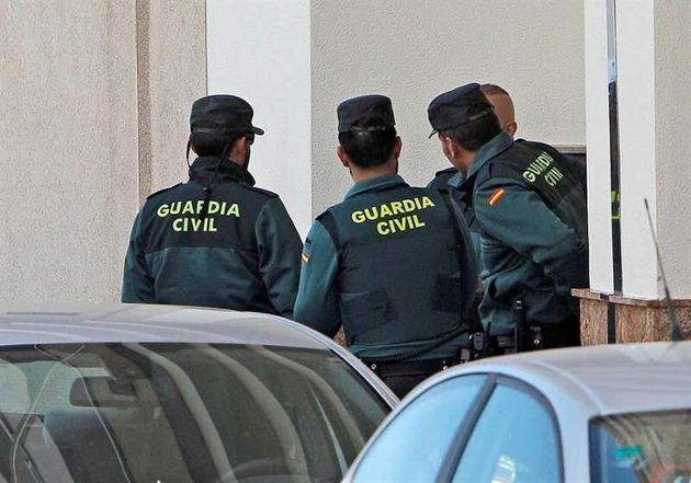 Imagen de archivo de varios guardias