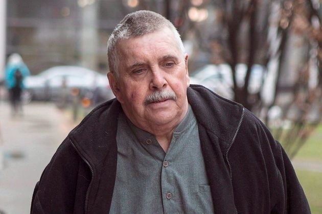 Gordon Stucklessは、2014年4月22日にトロントの裁判所に向かいます。元ボランティアホッケー...