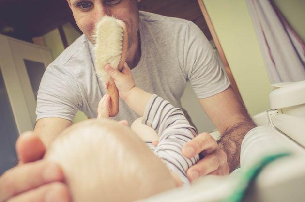 6 mesi di congedo per i neogenitori, uno tutto per il papà. L'idea del ...
