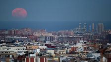 Barcelona Erklärt Der Klima Notfall, Der Gelübde Zur Halbierung Der Emissionen Bis 2030