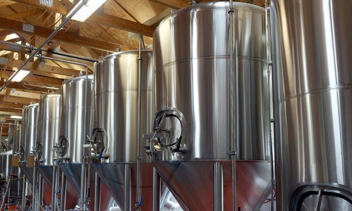 Dietilenoglicol, que causou infecção, é raramente utilizado como anticongelante no sistema de refrigeração de cervejas.